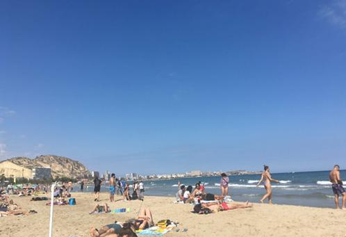 ポスティゲのビーチ(Playa de postiguet)